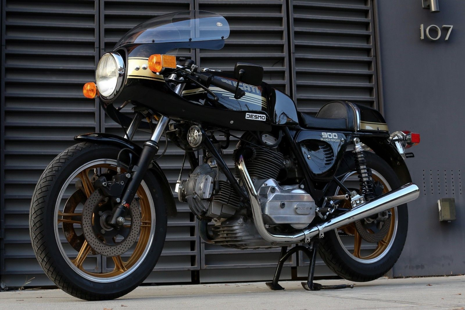 should all new bikes com with a manual